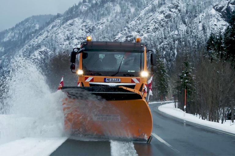 Snowplough with MEILLER hydraulic system
