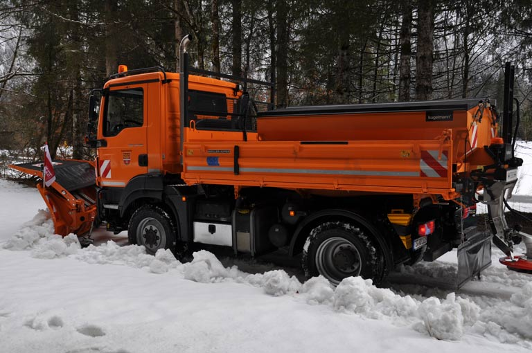 Winter Services with MEILLER hydraulic systems
