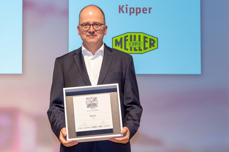 Dr. Daniel Böhmer takes over ETM Award