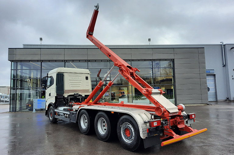 Hooklift RS26 with Iveco