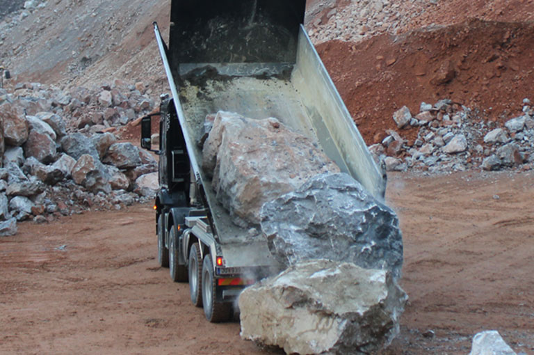 Unloading rock tipper