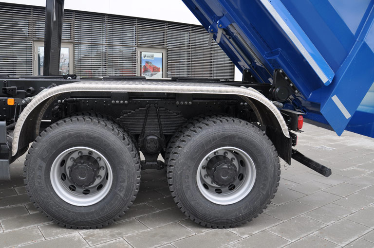 Rear tipper mudguards