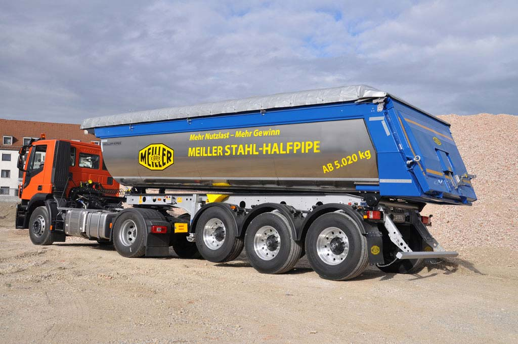 Tipping semi-trailer LHPS