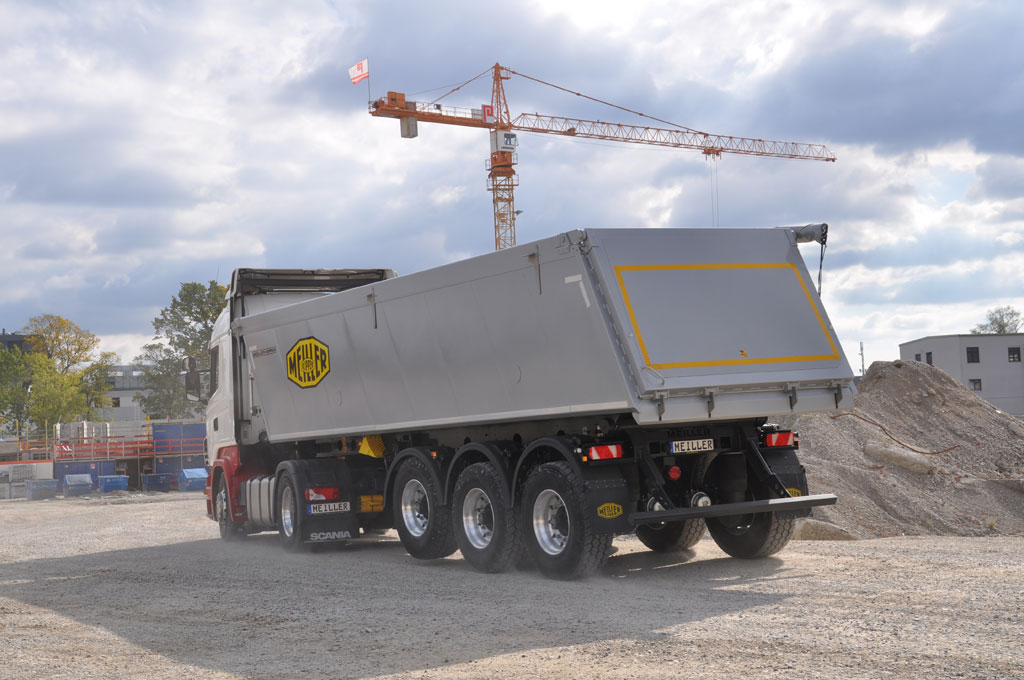 Tipping semi-trailer MHKA with angular body shape