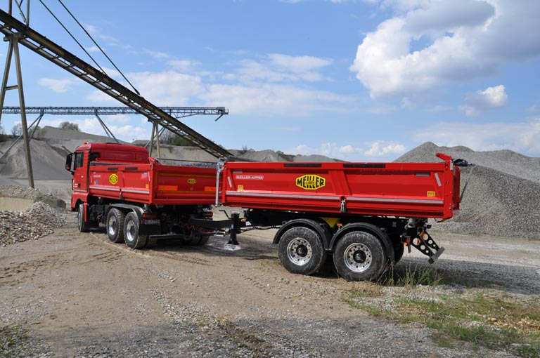 Centre-axle trailer at building site