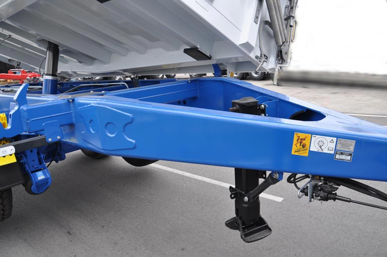 Centre-axle trailer drawbar